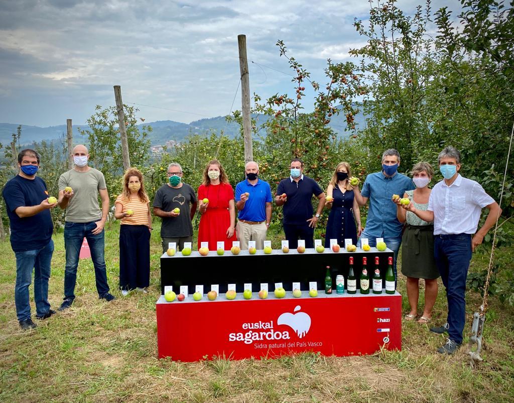 Hoy, 17 de septiembre, presentamos la nueva cosecha de manzanas de Euskal Sagardoa